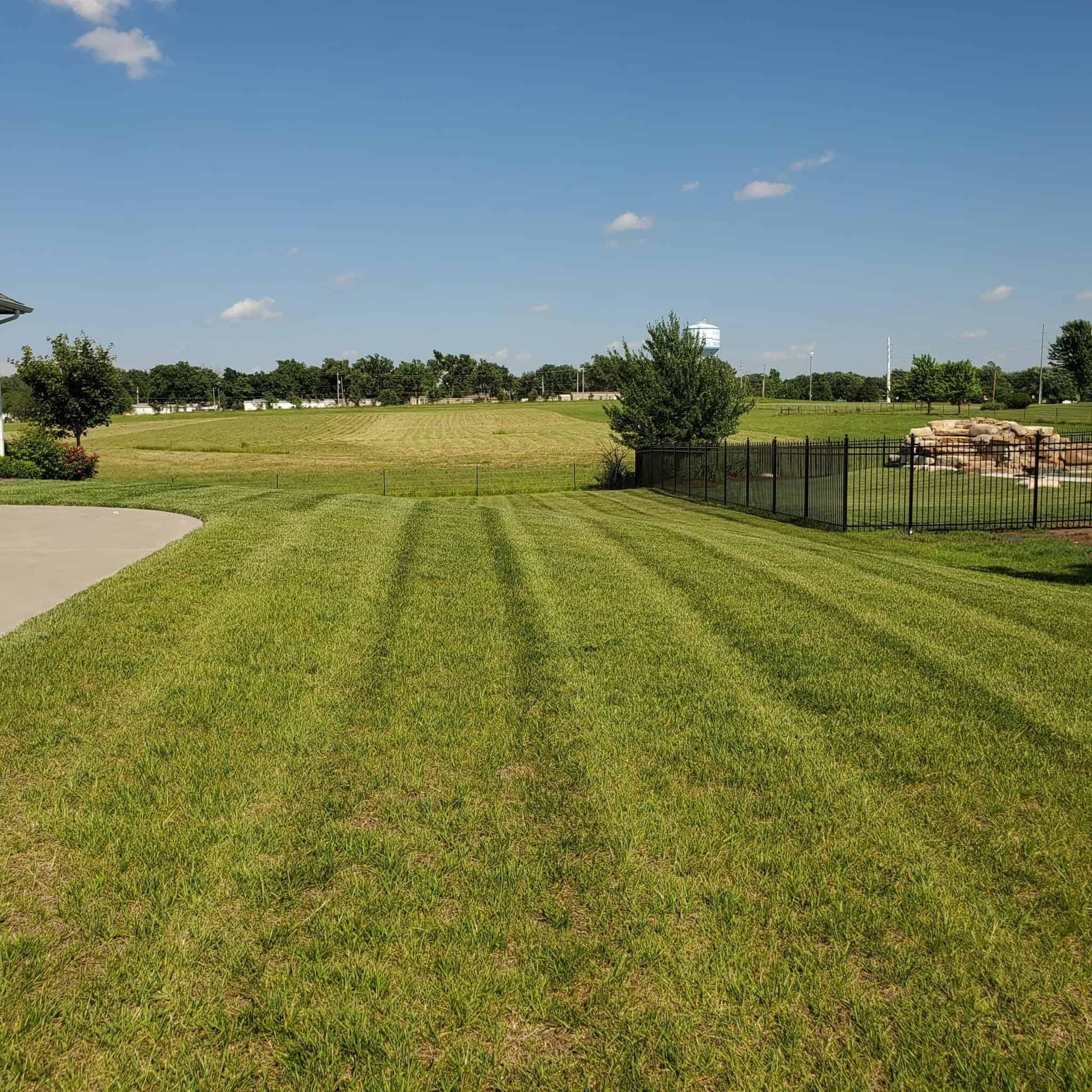 Lawn Maintenance in El Dorado, Augusta, Towanda KS and Surrounding Areas
