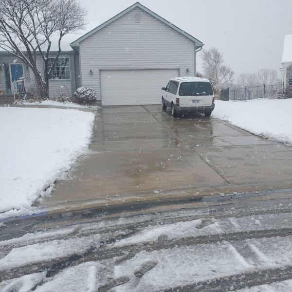 El Dorado, KS - We can remove snow and ice from your property this winter!